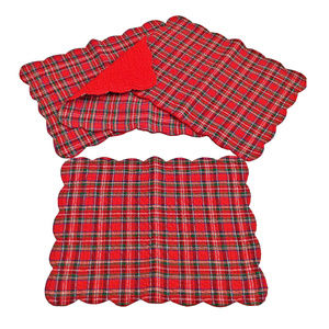 NWT Red Plaid Place Mats Scalloped Edges Set of 4
